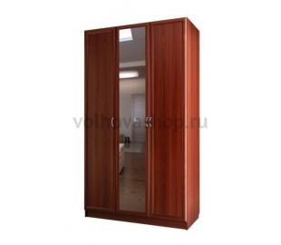 Шкаф для платья и белья трехдверный с одним зеркалом